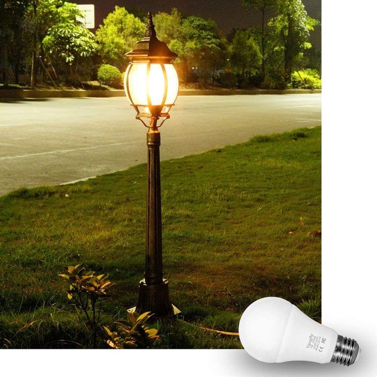 Dusk to Dawn Light Bulb 7W E26 Smart Sensor LED Bulbs Built-in Photosensor Detection with Auto Switch Outdoor Indoor LED Lighting Lamp for Porch Front Door (Cool White, 6000K, 1 Pack)