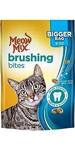 brushing cat treats; cat dental treats; cat greenies