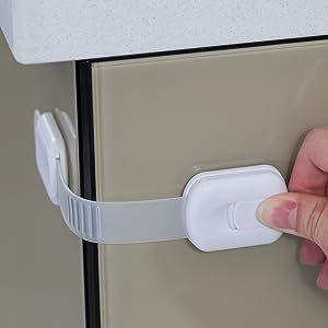 Strap locks child safety